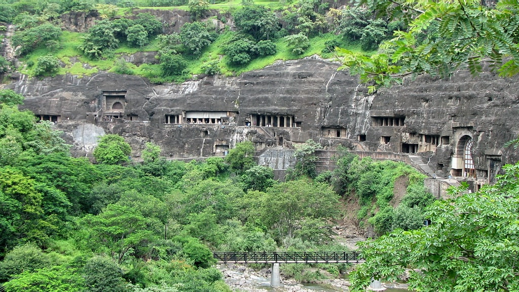 ajanta-caves-one-of-the-eighth-wonder-of-secret-world