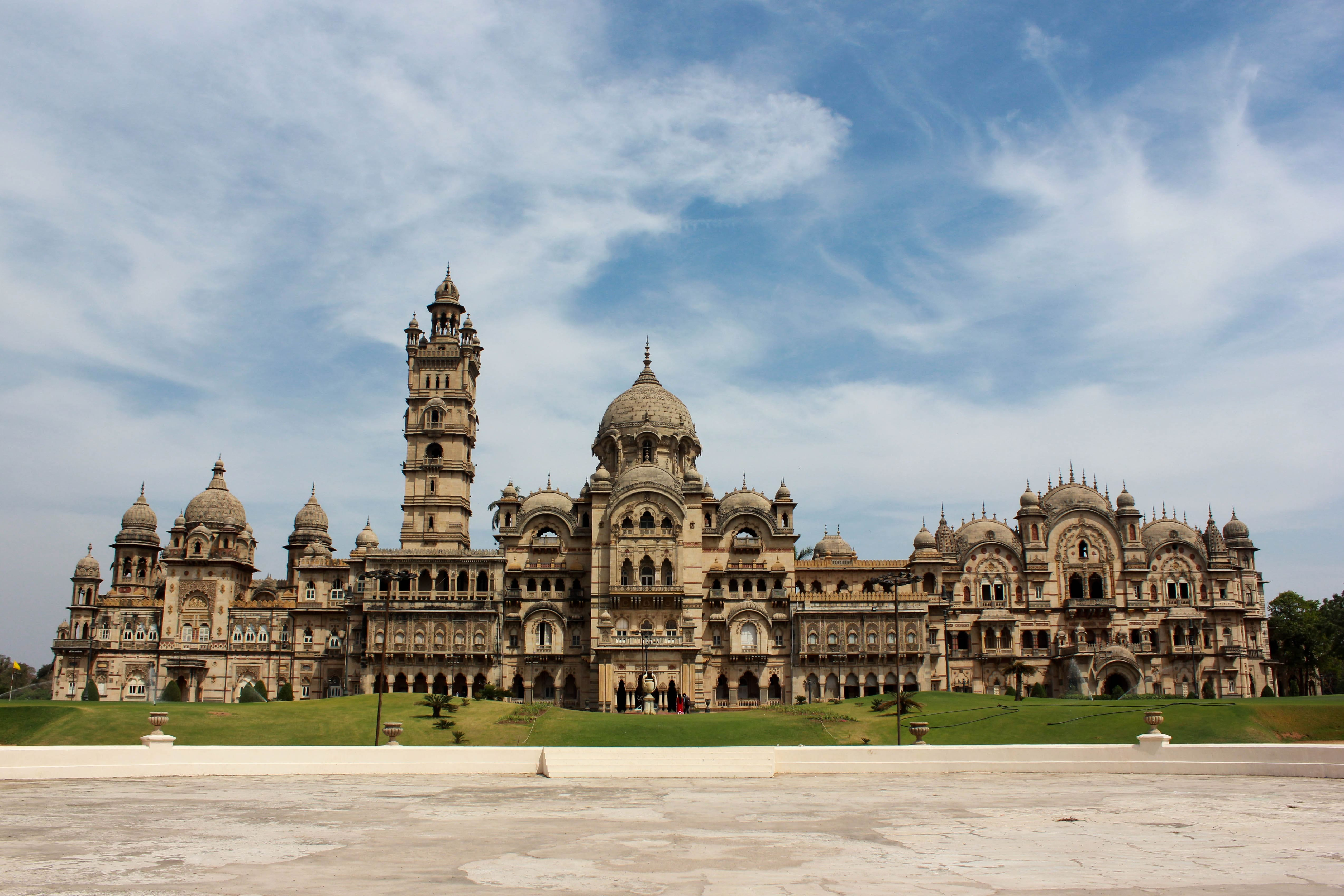india-lakshmi-vilas-palace-secret-world