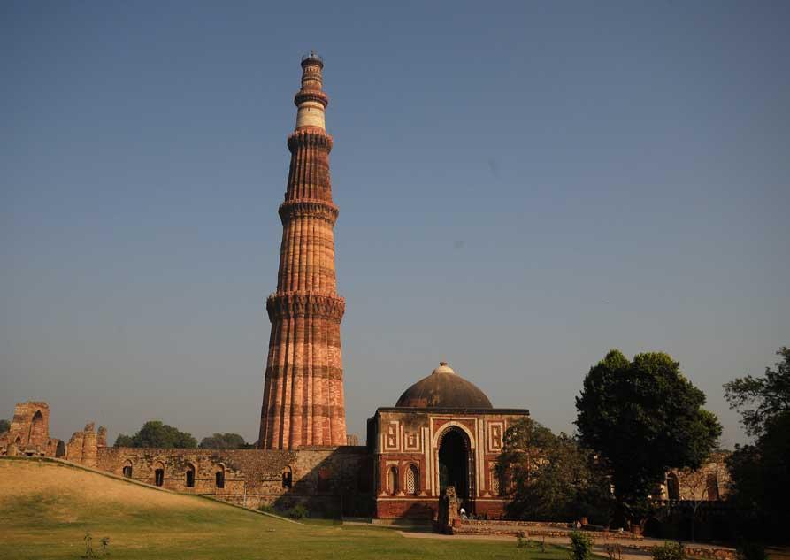 qutub-minar-delhis-tallest-minaret-secret-world