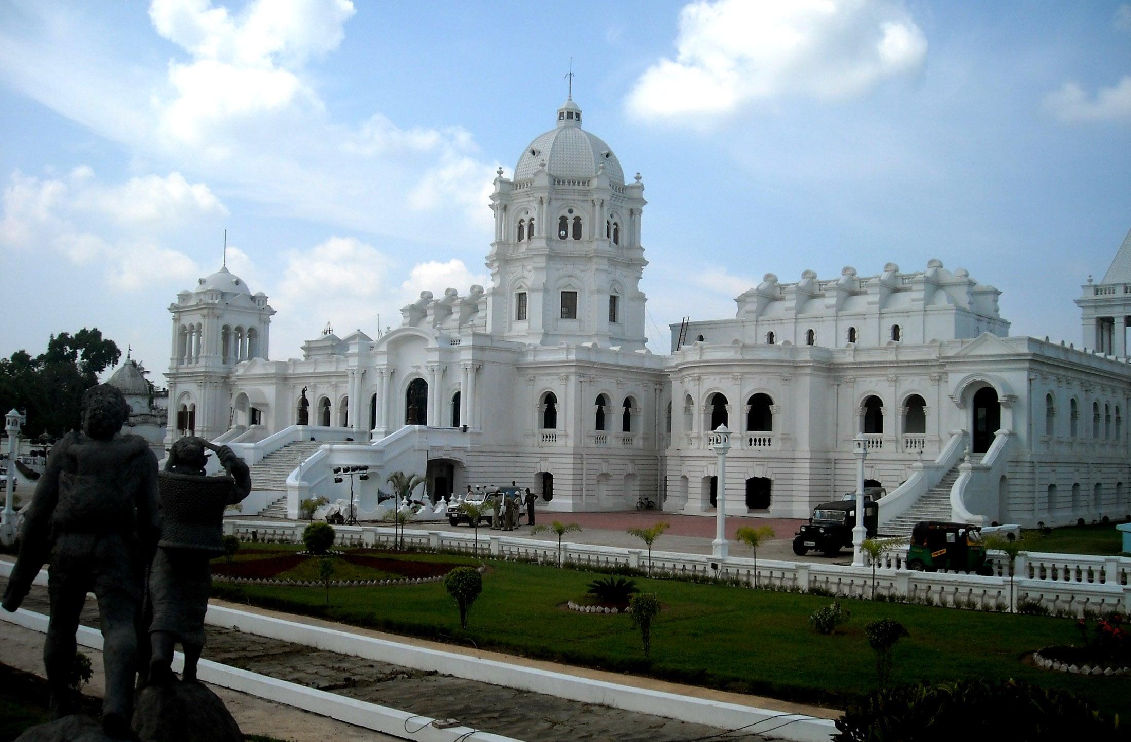 ujjayanta-palace-and-rabindranath-tagore-secret-world