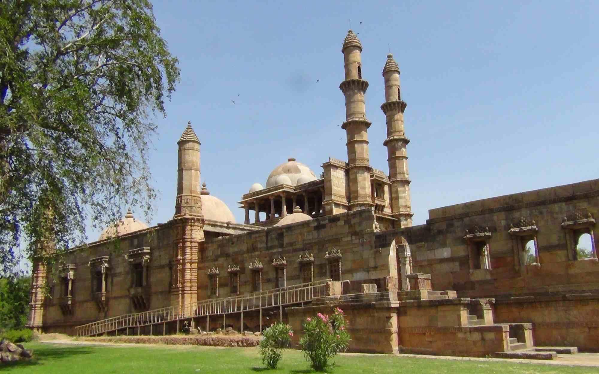 champaner-pavagadh-archaeological-park-a-u-secret-world