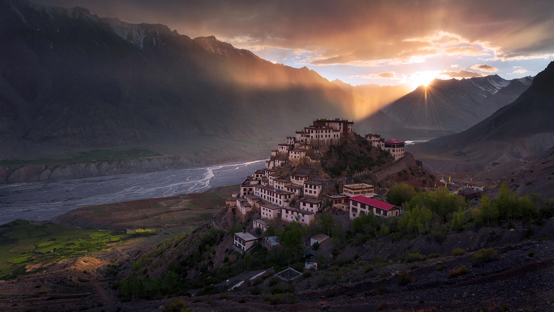 spiti-valley-the-middle-land-secret-world