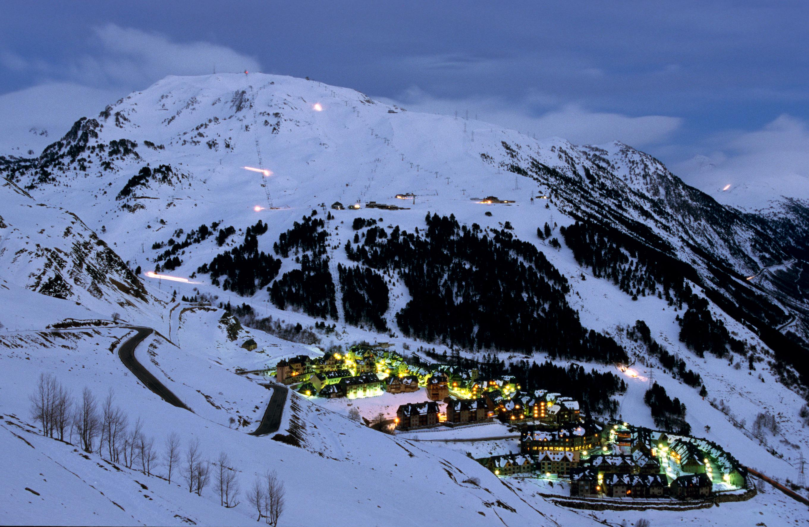 baqueira-beret-is-a-complete-resort-divided-in-3-areas-secret-world