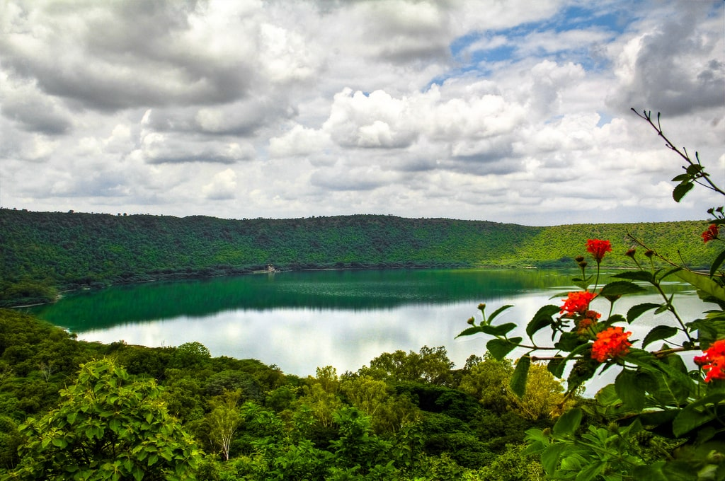 lonar-the-only-salt-water-lake-in-the-wor-secret-world