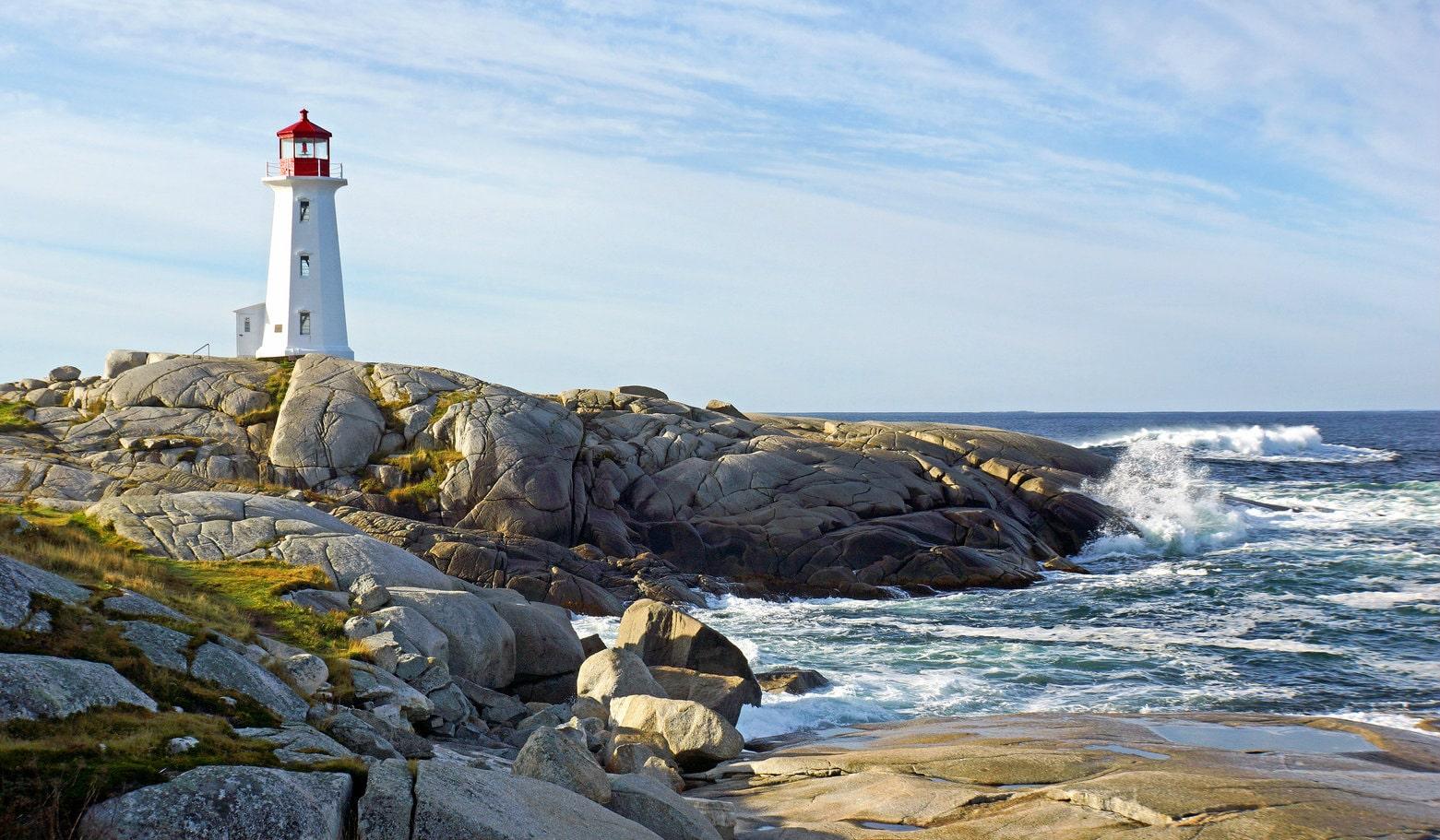 lighthouse-at-kovalam-beach-secret-world