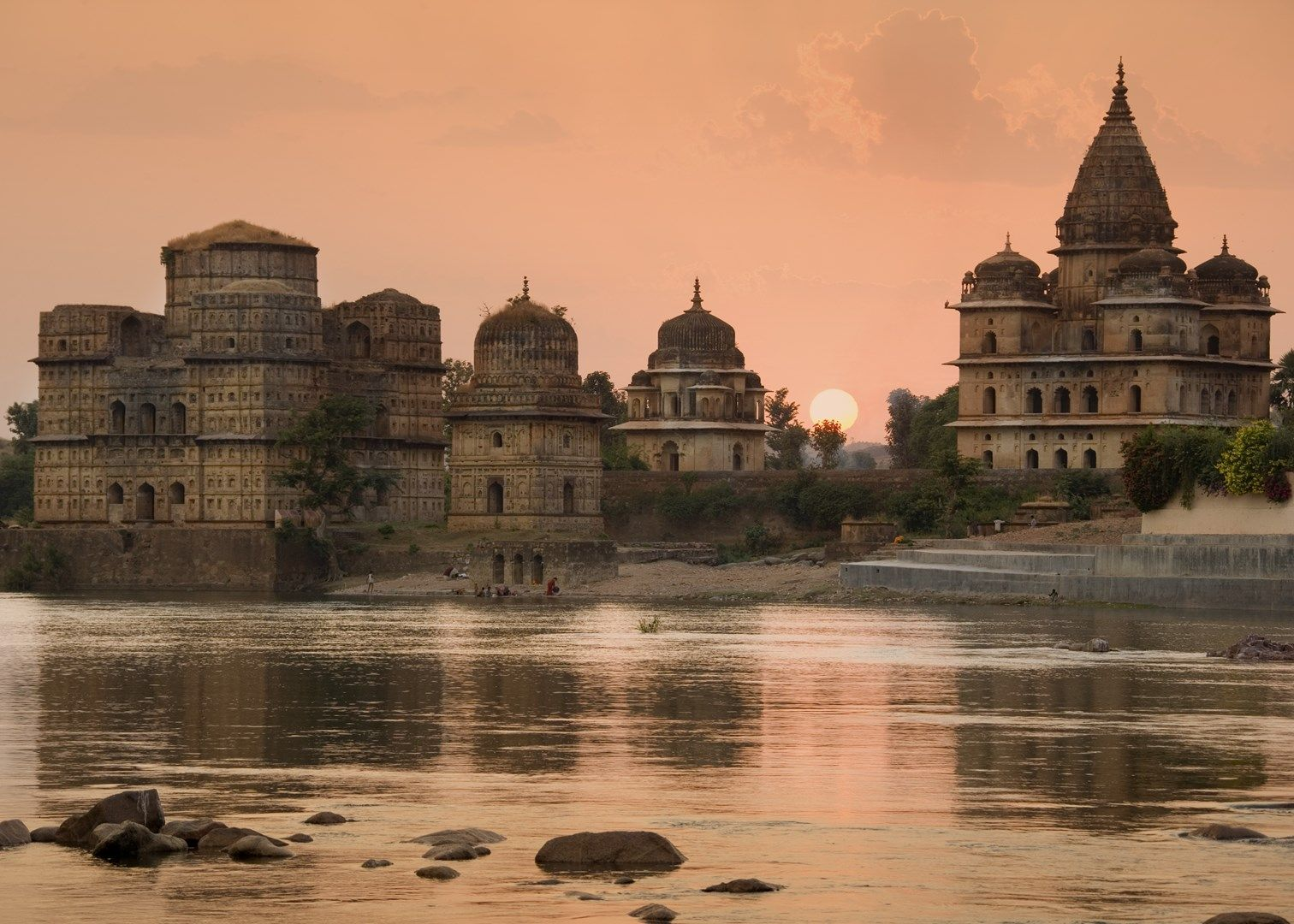 orchha-town-the-medieval-city-frozen-in-t-secret-world