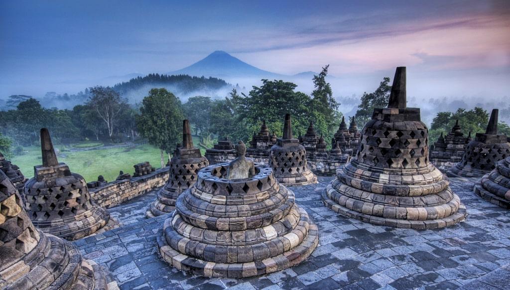 java-borobudur-temple-secret-world