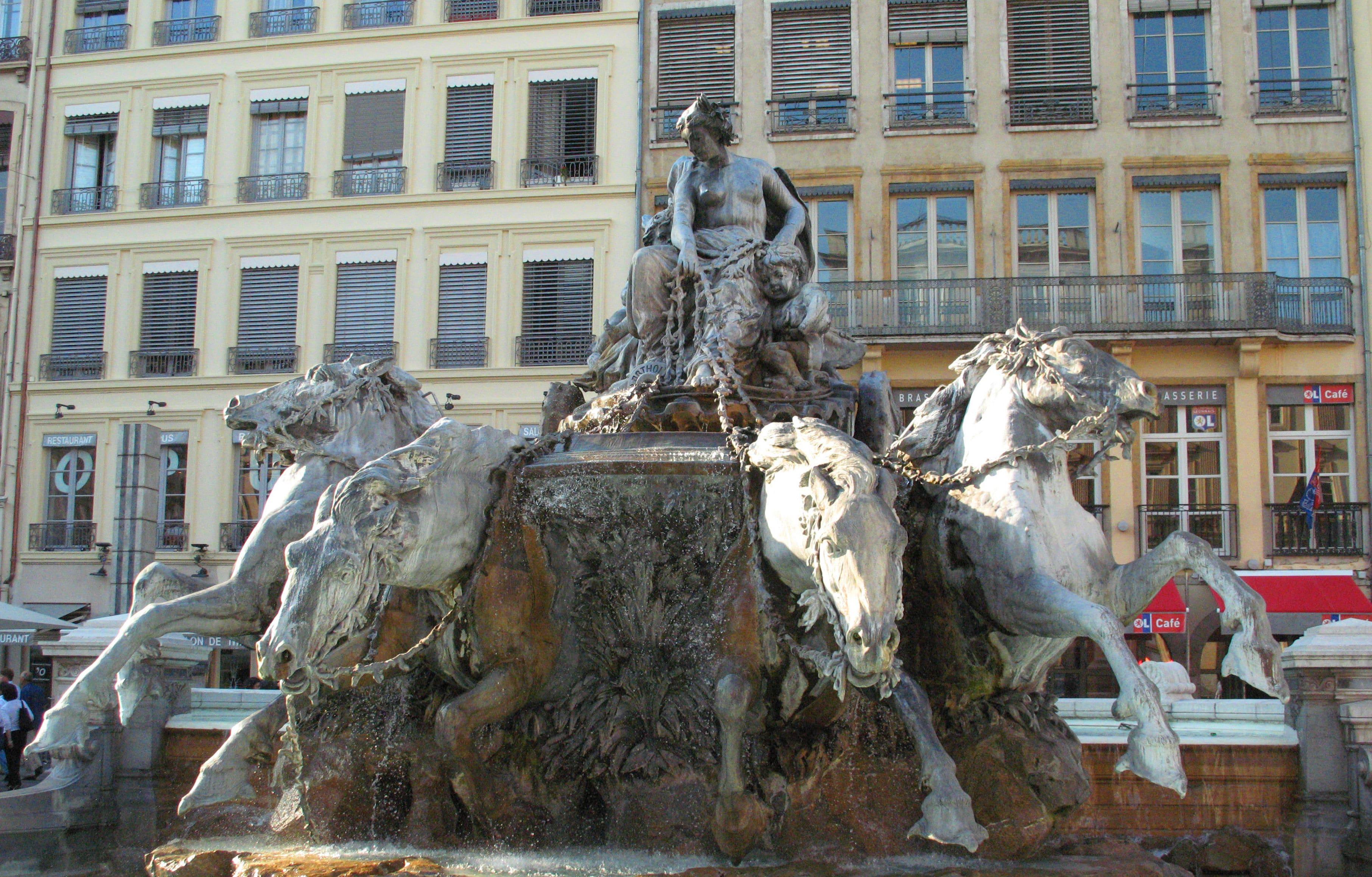 lyon-bartholdi-fountain-secret-world