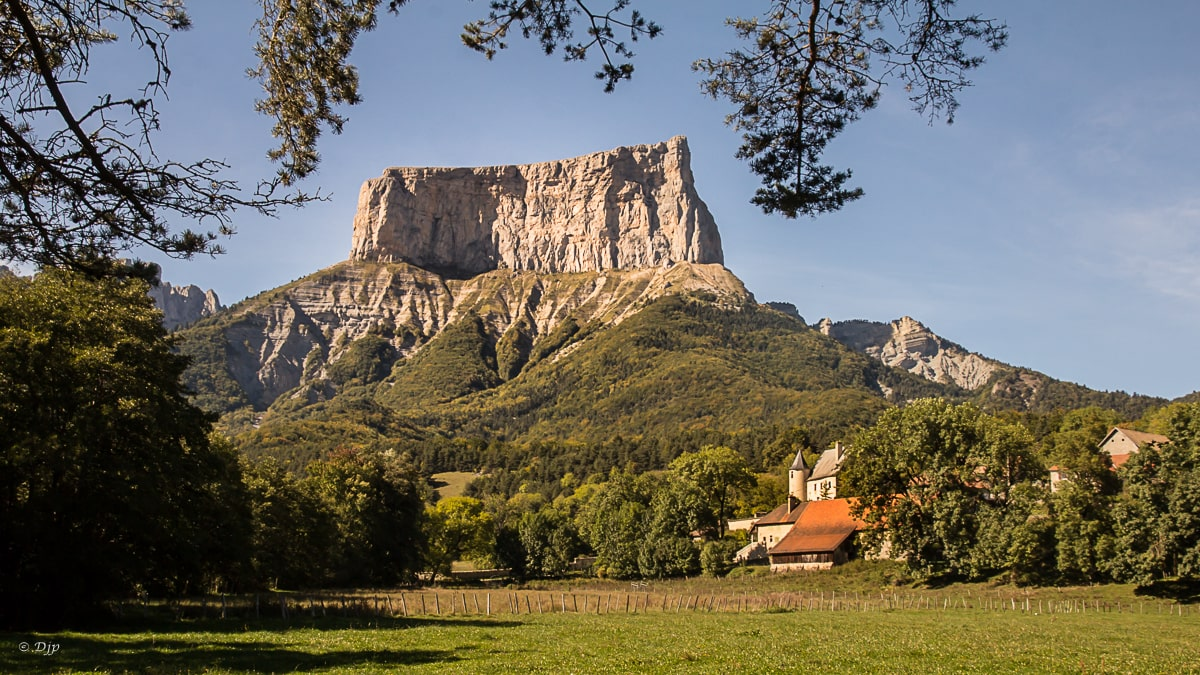 mont-aiguille-one-of-the-seven-wonders-of-secret-world