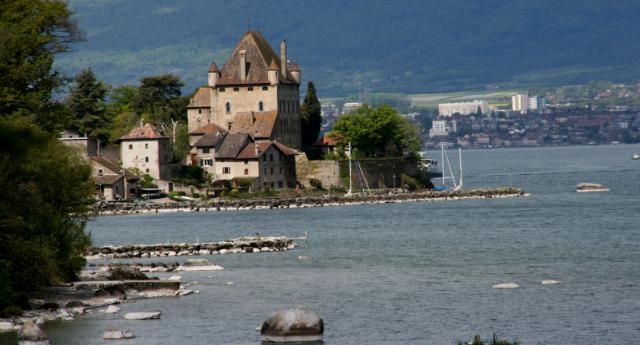 chateau-village-of-yvoire-secret-world