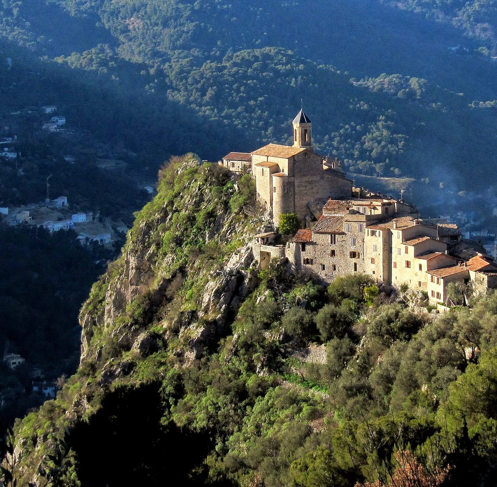 peillon-is-a-very-picturesque-fortified-vi-secret-world
