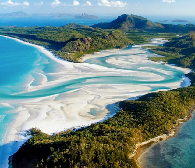 the-whitehaven-beach-in-whitsunday-island-secret-world