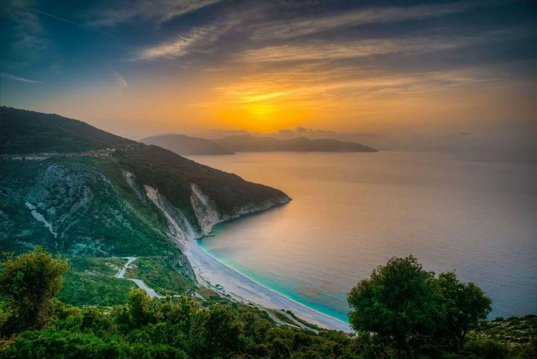 myrtos-beach-una-delle-spiagge-piu-belle-secret-world