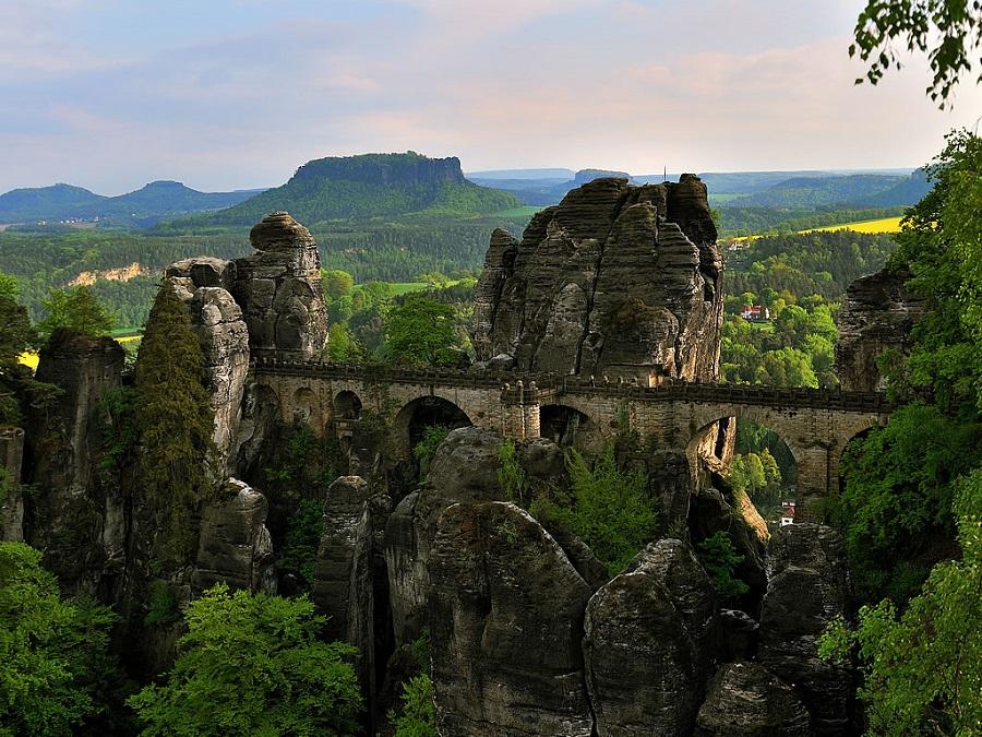 bastei-bridge-in-the-elbe-sandstone-mounta-secret-world