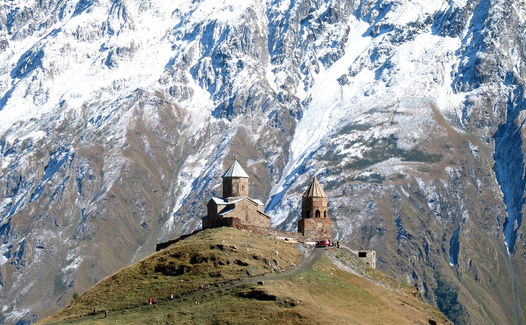gergeti-trinity-church-secret-world