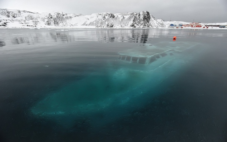 the-ghostly-remains-of-the-yacht-mar-sem-secret-world