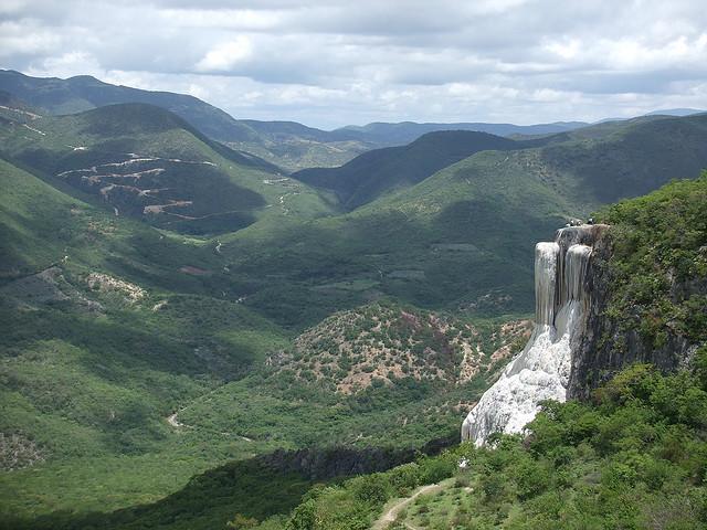 hierve-el-agua-natural-rock-formations-in-secret-world