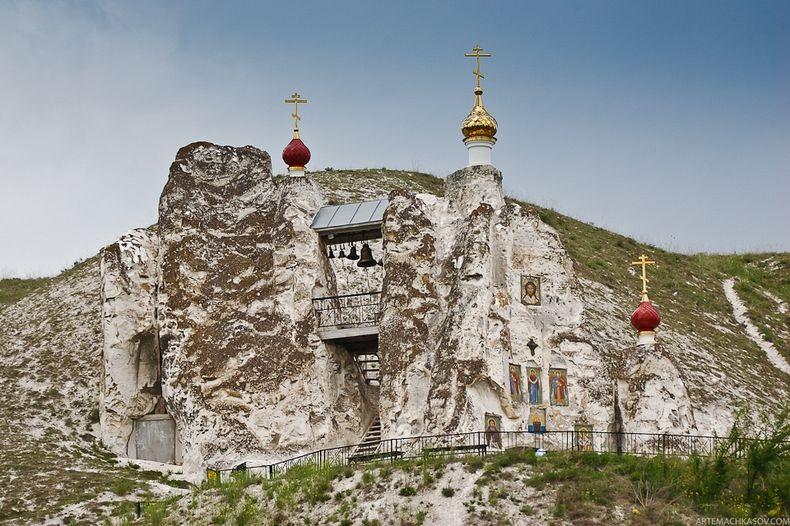 spassky-cave-convent-secret-world