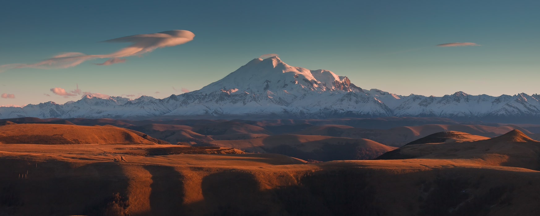 mount-elbrus-the-volcano-on-caucasus-secret-world