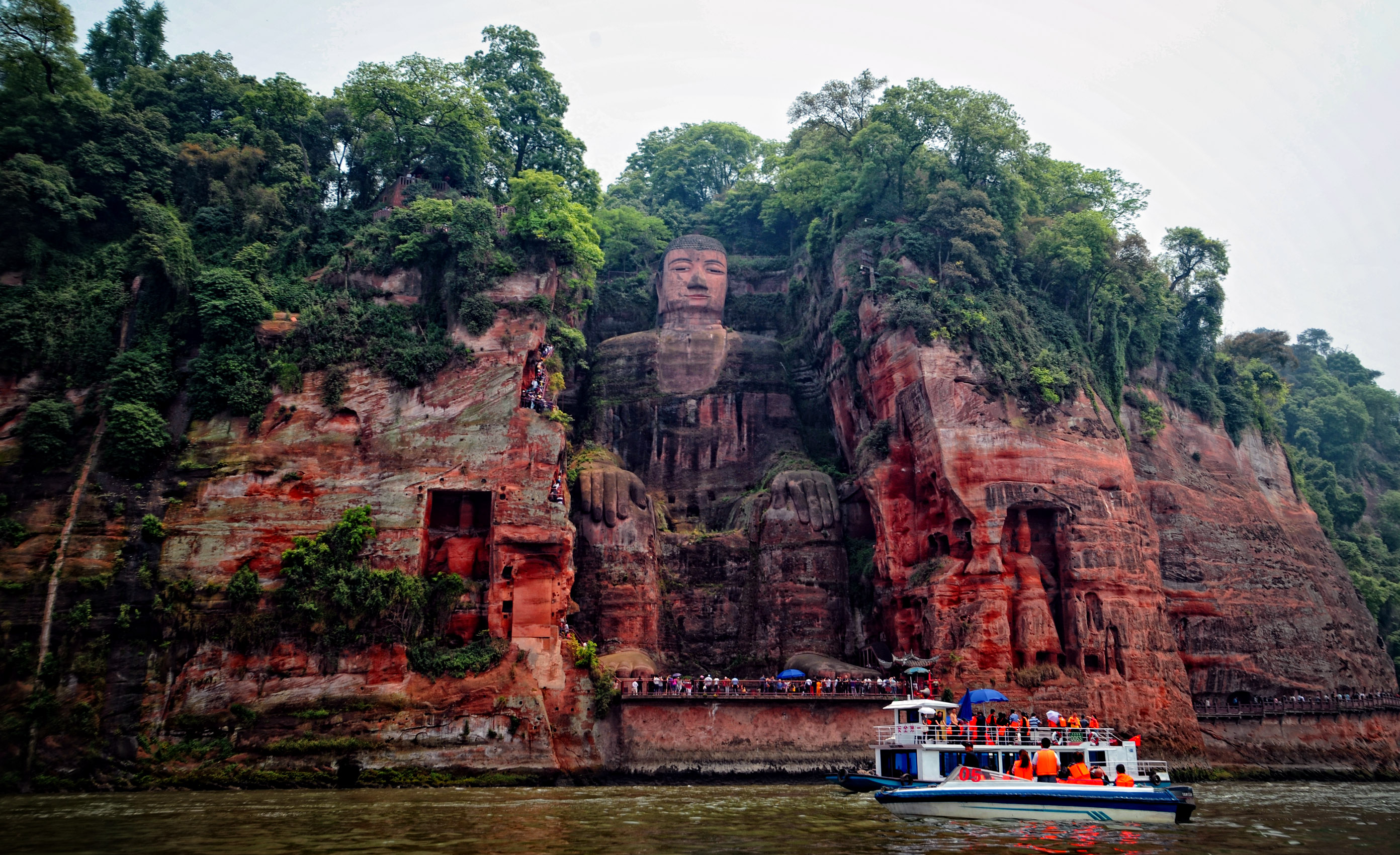 china-leshan-giant-buddha-secret-world