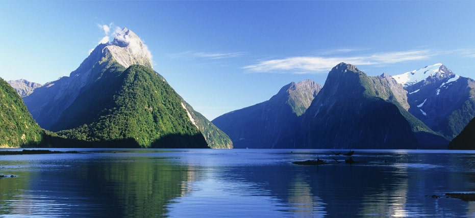 milford-sound-new-zealands-most-spectac-secret-world