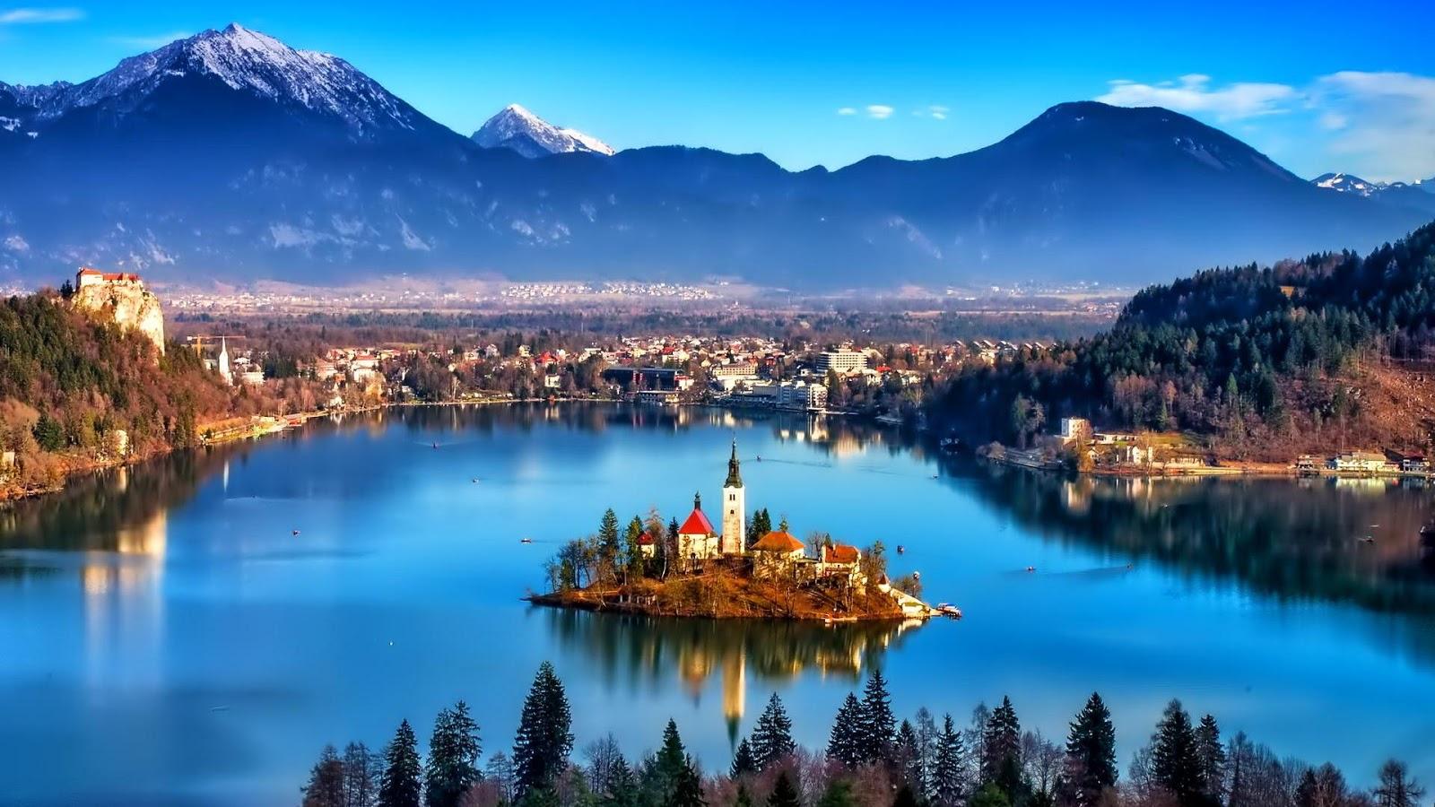 lake-bled-is-a-romantik-lake-in-the-julian-secret-world