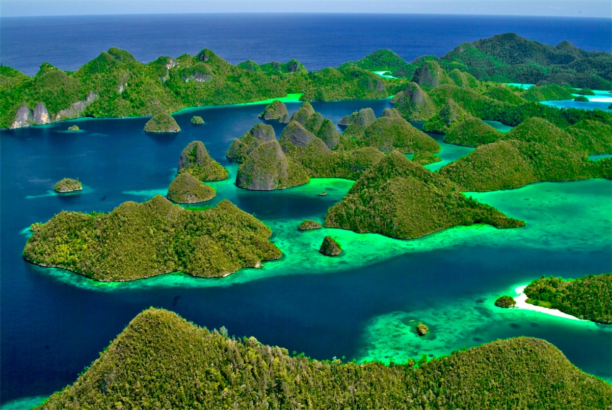 wayag-island-secret-world