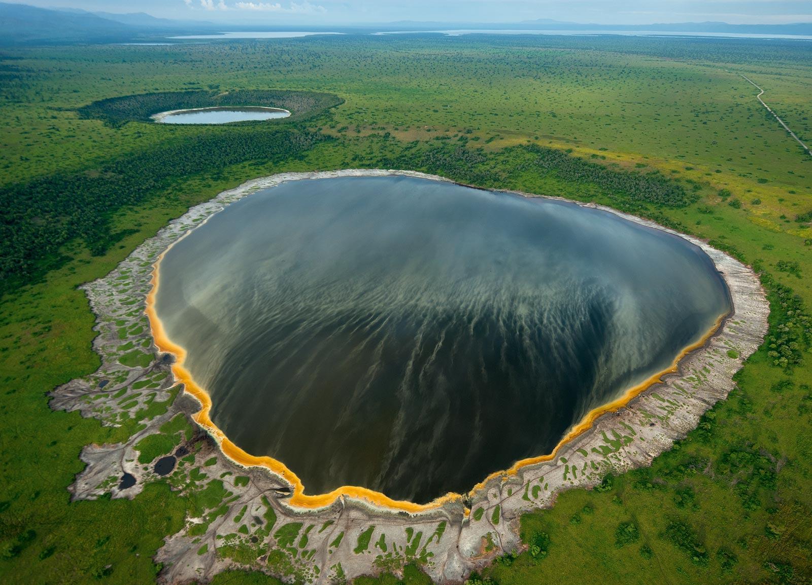 lake-katwe-secret-world