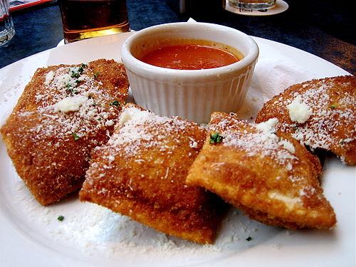 toasted-ravioli-or-breaded-deep-fried-ravi-secret-world