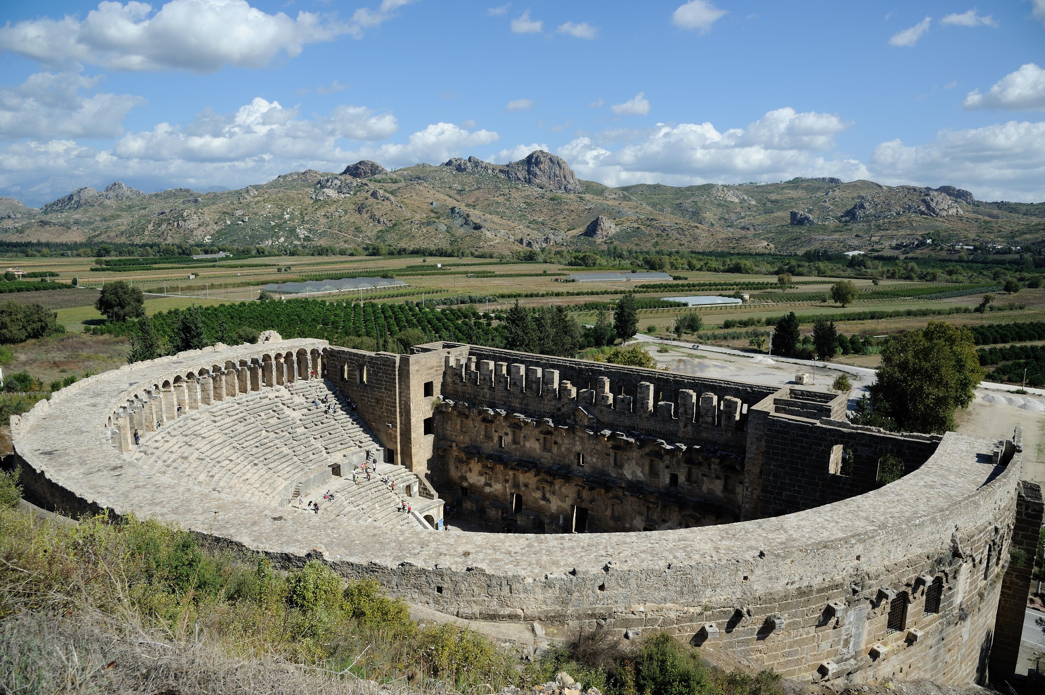 the-roman-theatre-in-aspendos-secret-world