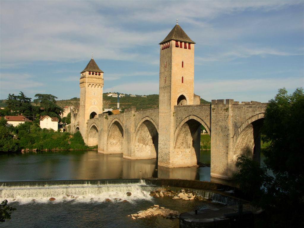 cahors-valentre-bridge-secret-world
