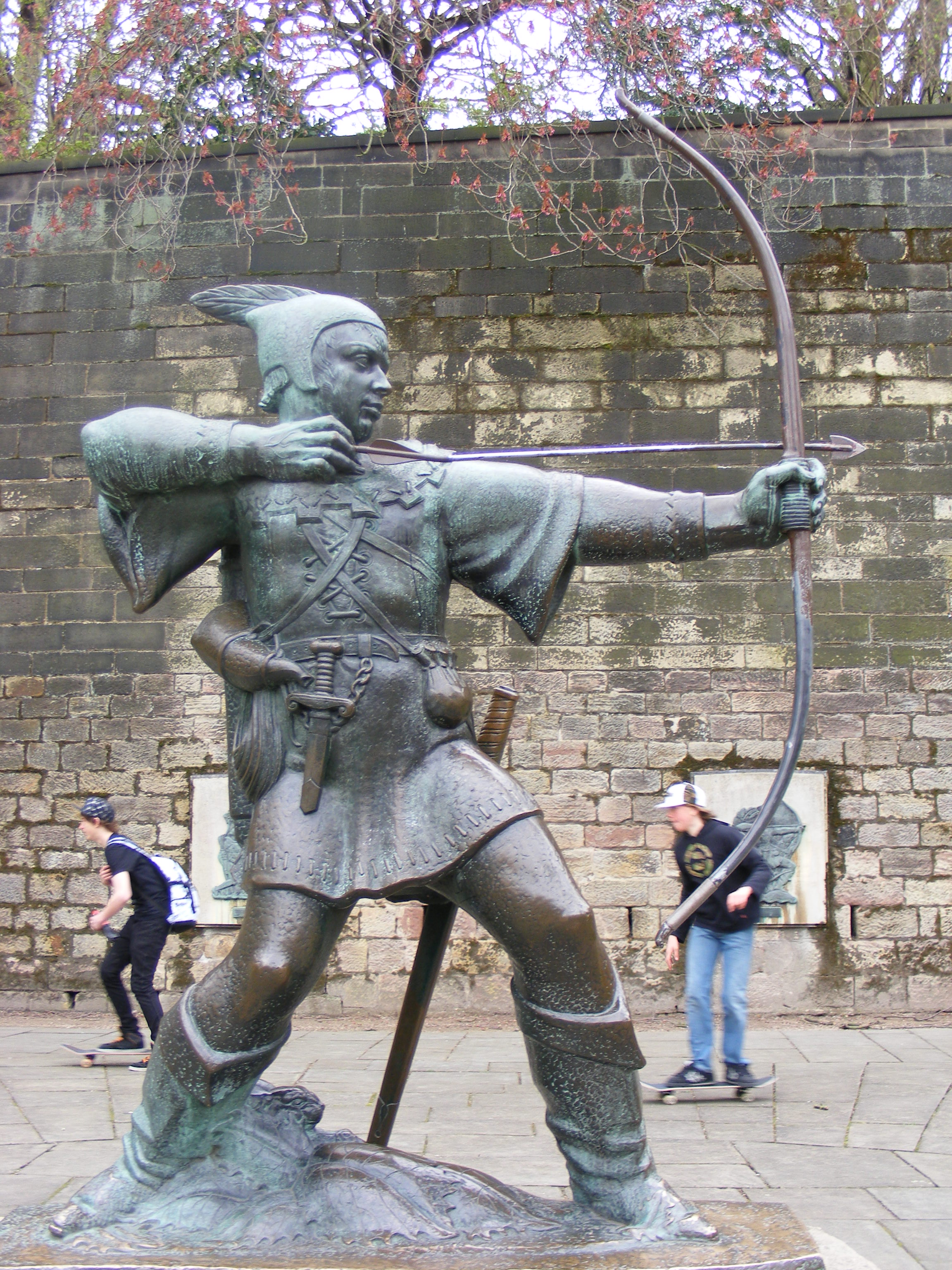 nottinghams-robin-hood-statue-secret-world