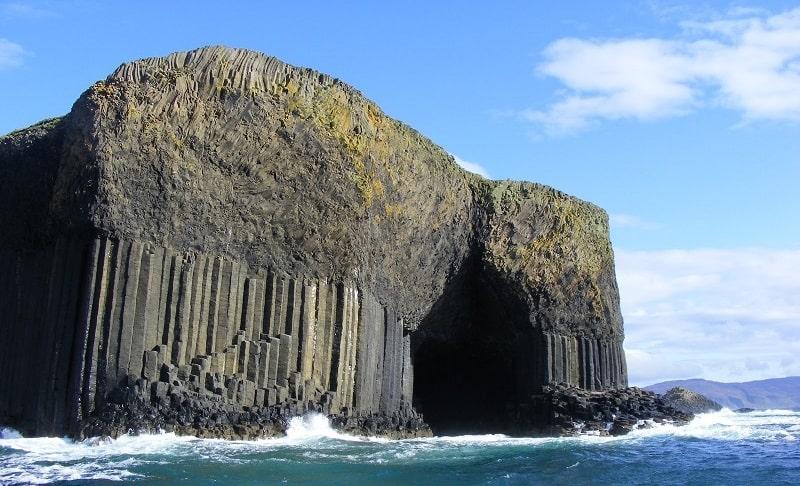 fingals-cave-and-its-unique-structure-secret-world
