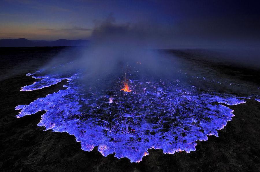 il-vulcano-indonesiano-kawah-ijen-secret-world