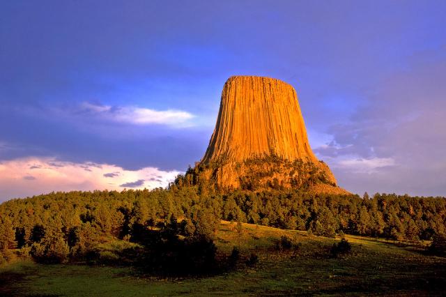 wyoming-devils-tower-national-monument-secret-world
