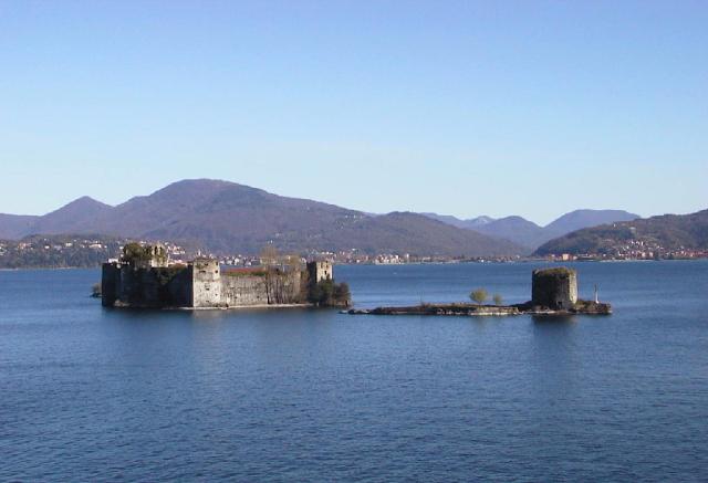 castles-of-cannero-are-three-rocky-islets-secret-world