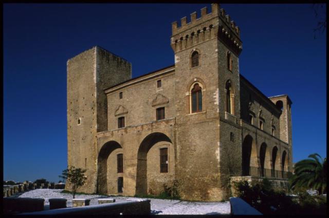 castello-ducale-di-crecchio-secret-world