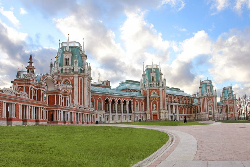 tsaritsyno-palace-is-one-of-the-most-beaut-secret-world