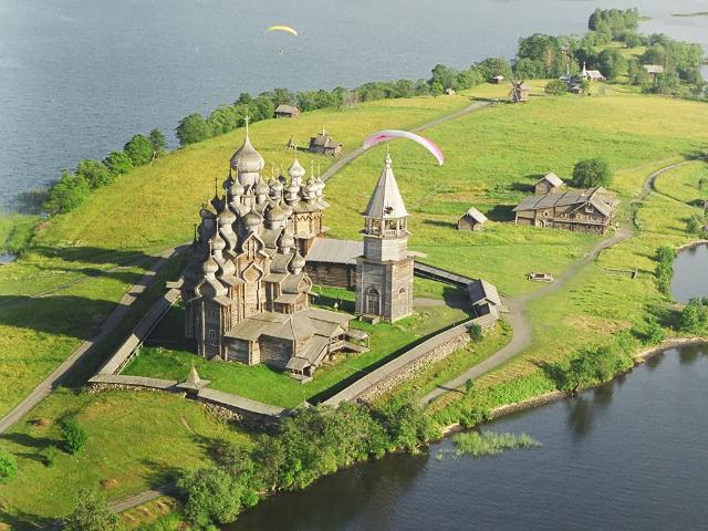 karelia-kizhi-is-an-island-near-the-lake-secret-world