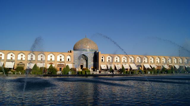 sheikh-lotfollah-mosque-secret-world