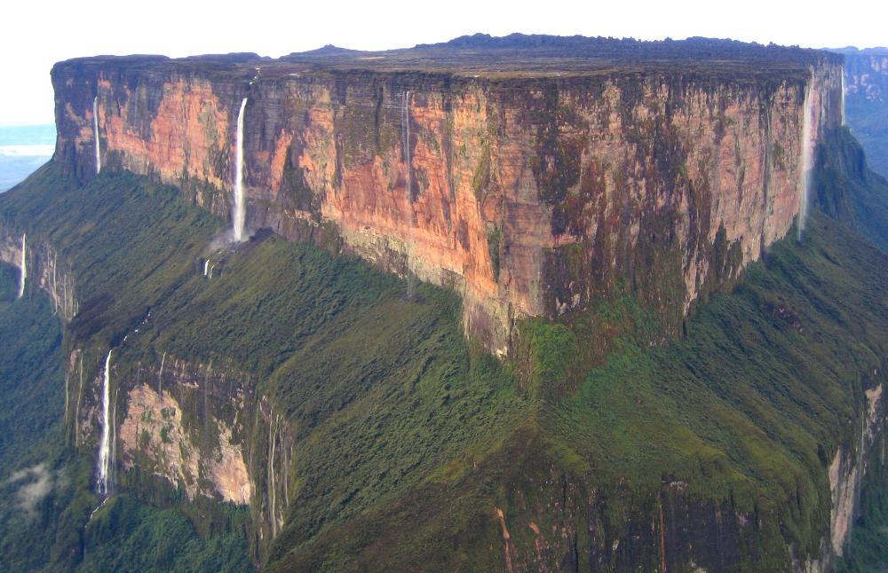 mount-roraima-the-highest-of-the-pakarai-secret-world