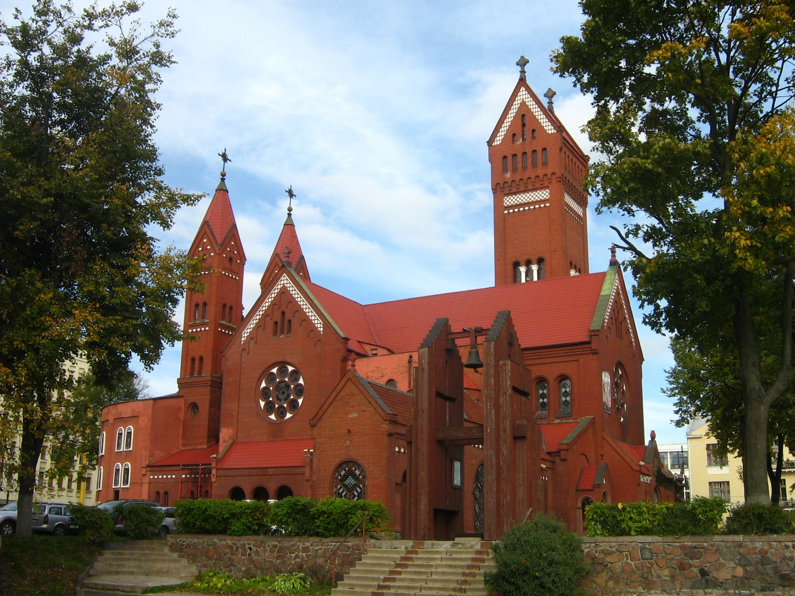 minsk-church-of-sts-simon-and-amp-helena-red-church-secret-world