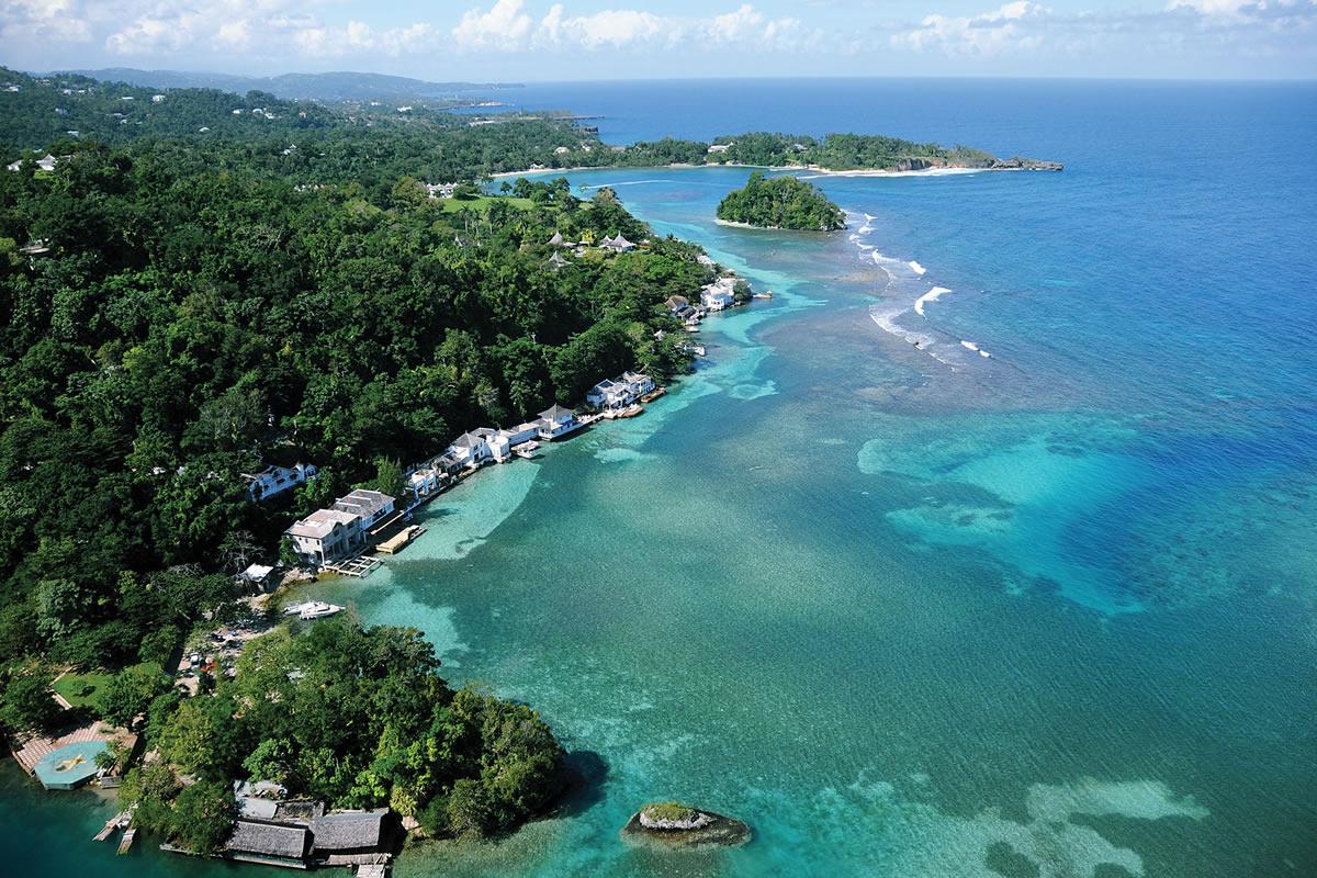blue-lagoon-a-little-paradise-secret-world