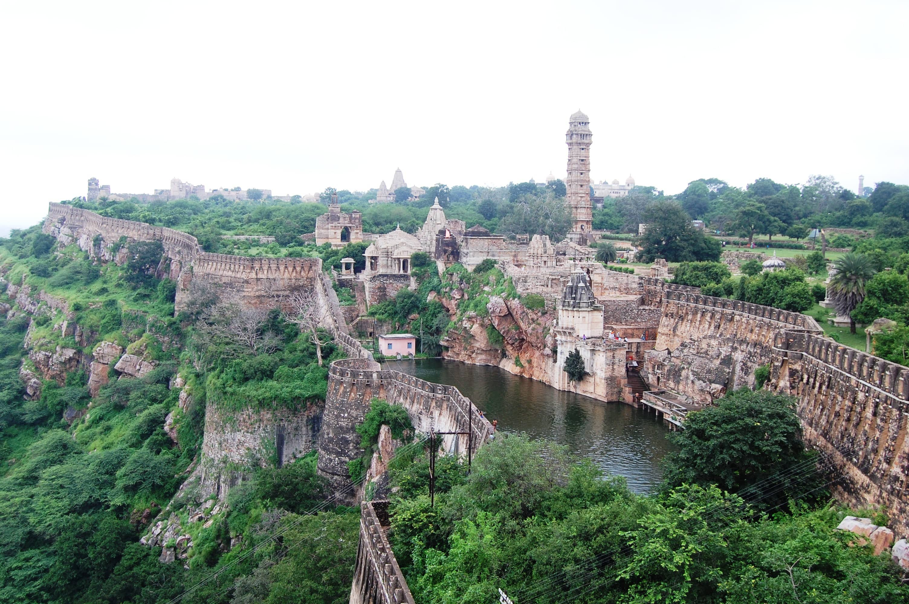 benteng-chittorgarh-the-largest-fort-of-in-secret-world