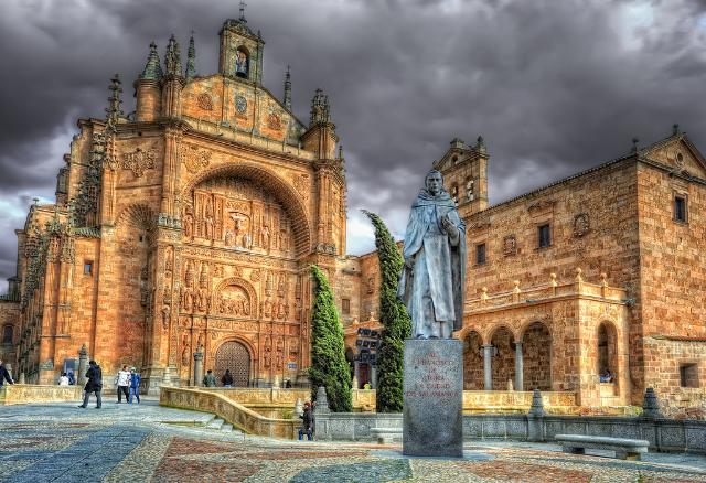the-dominican-convento-de-san-esteban-has-a-splendid-chu-secret-world