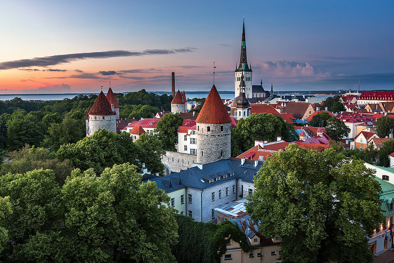 tallin-toompea-castle-secret-world