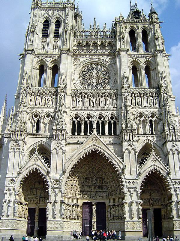 amiens-cathedral-secret-world
