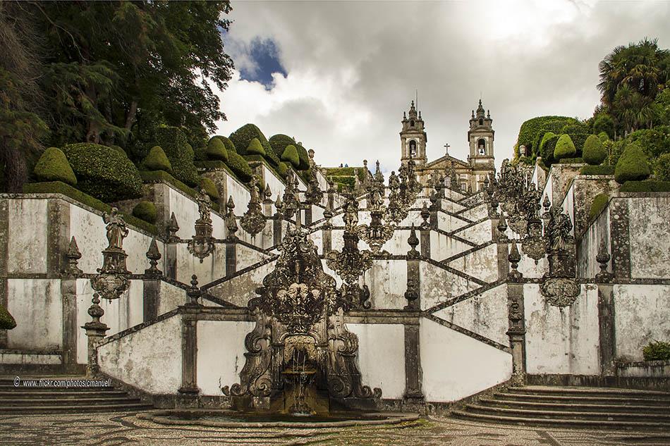 nje-qytet-ne-luginen-cavado-te-portugalise-secret-world