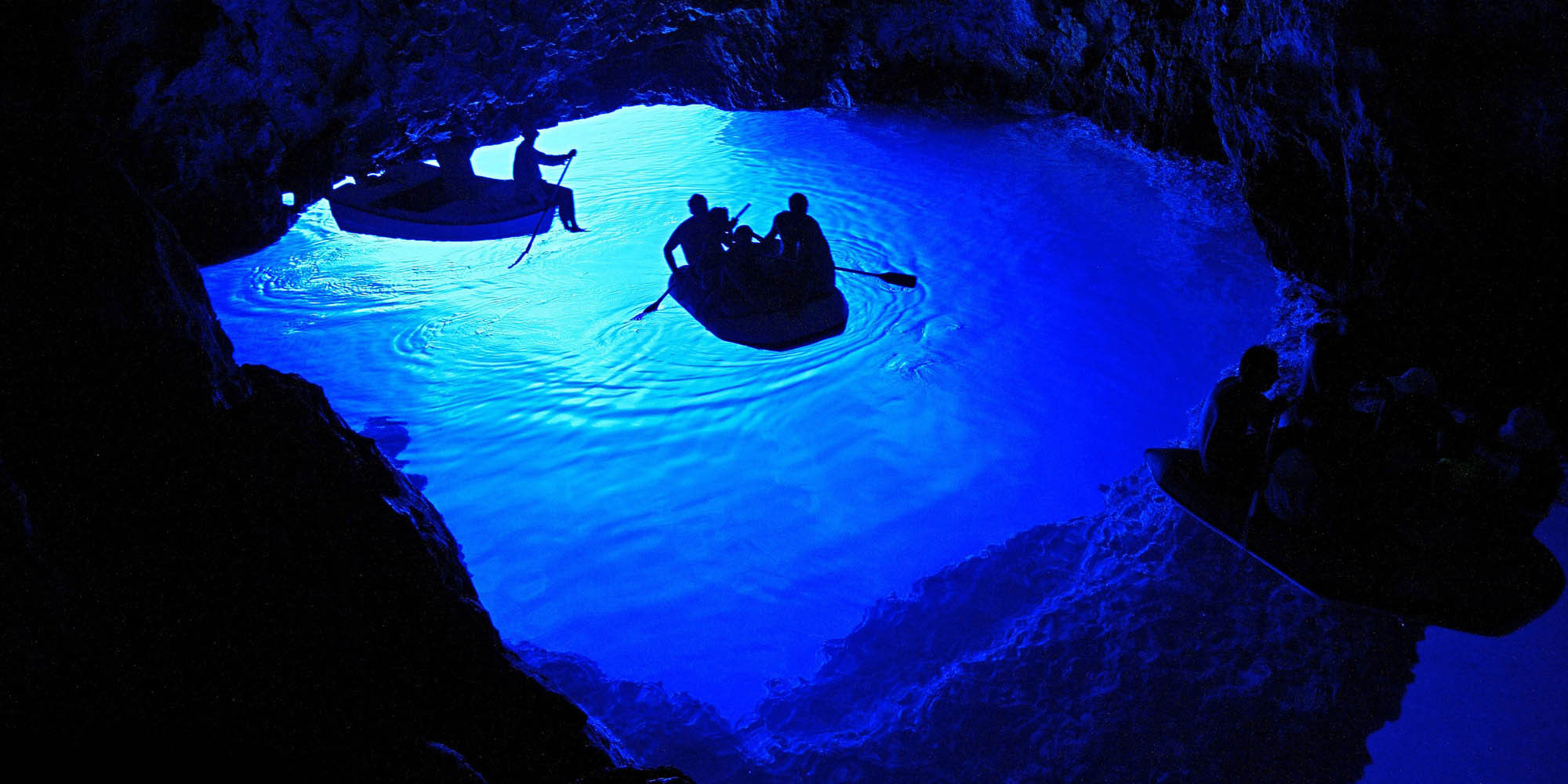 the-blue-cave-on-the-island-of-bisevo-in-croatia-is-a-je-secret-world