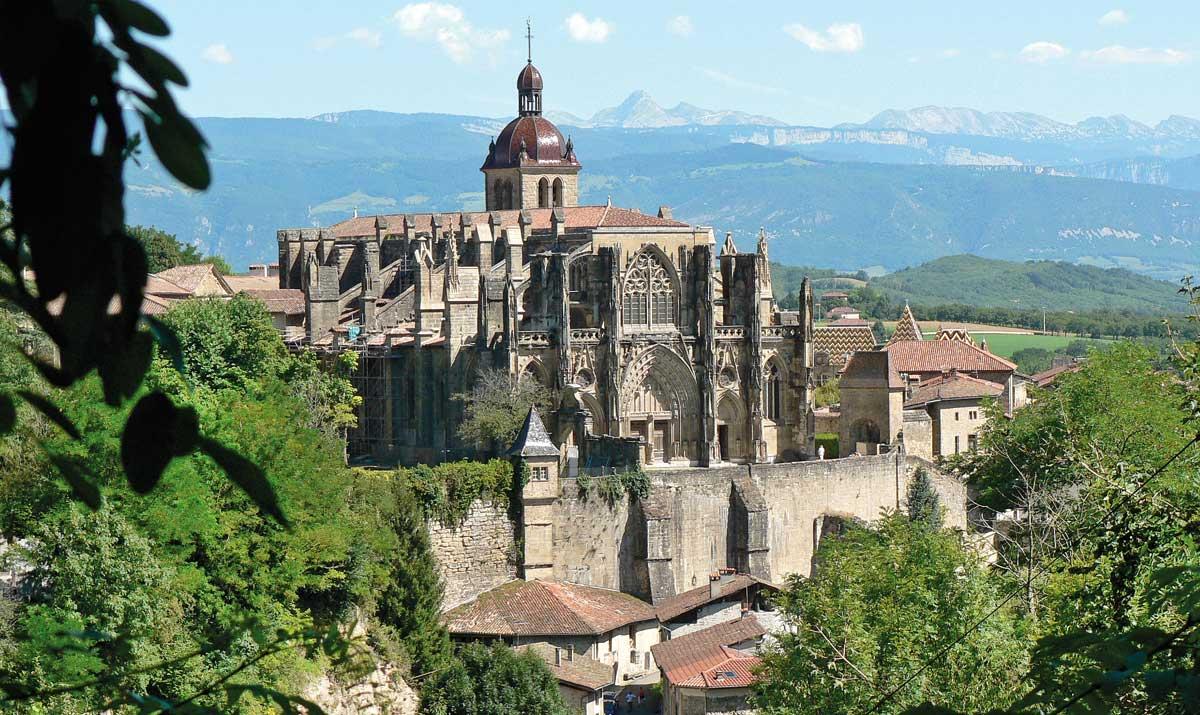 in-rolling-countrysidethe-abbey-of-saint-antoine-secret-world